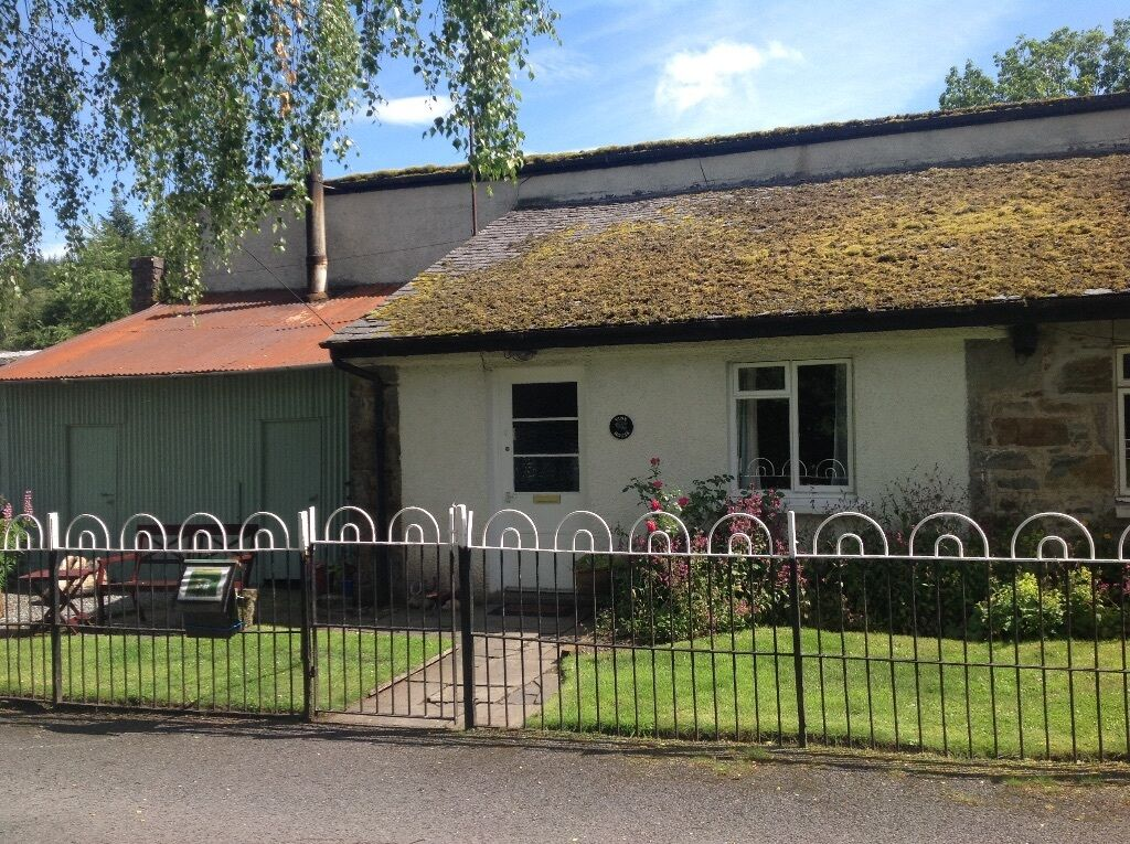 2 Bed Rural Cottage Free Rent For Estate Caretakers In