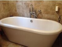 Traditional freestanding roll top bath (with free mixer tap)