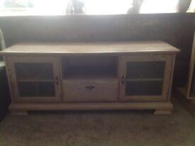 Mint condition.limed oak sideboard/hi fi unit plus cd tower