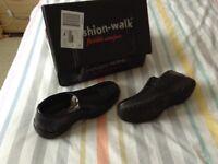 Mans Comfort Shoe Black Size 7/8