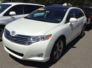 2012 Toyota Venza AWD V6 Touring, leather!