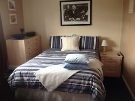 Double room available Monday to Friday in Brislington for £25 per night
