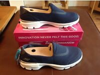 Sketchers Go Walk 3 women's trainers brand new in box with all labels