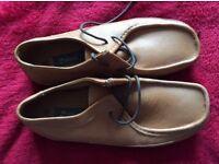 Brand New Men's Soft Leather Oaktrak Shoe Size 8