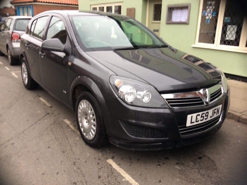 Vauxhall Astra 2009 1.6 only 22,000 miles Tel 07810733448