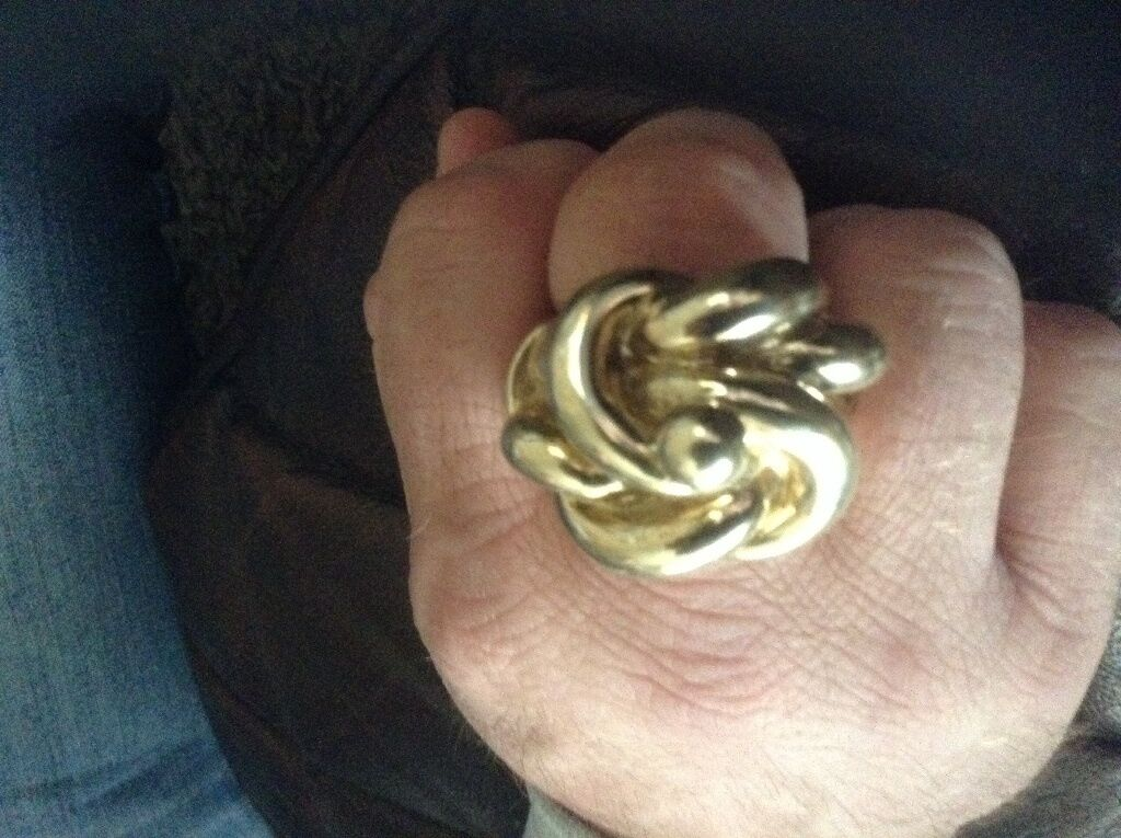 9ct Gold Mans Heavy Knot Ring Over 4 1 2 Oz In Bilston