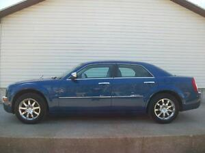 2010 Chrysler 300 LIMITED WITH ONLY 60KM!