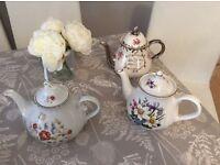 3 pretty teapots