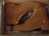 Timberland boots new in box size 7 uk