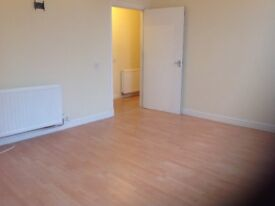 Bright, spacious charming 3 bedroom flat in Dunbar available immediately