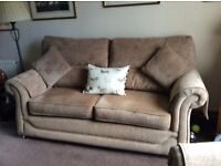 Beige suite hardly used vgc