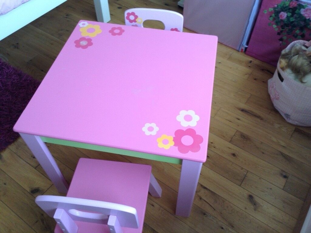 Girl's table and chairs