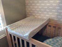 Top cot changing mat