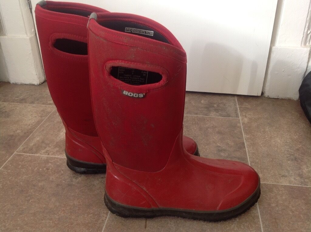Boggs neoprene lined wellies, size 5, hardly worn, £20 (originally over £50).