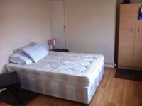 Triple room is available for rent at Shoreditch. Bethnal green station is minutes away.