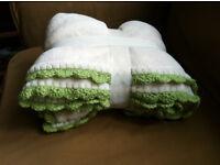 Hand Decorated Cream and Green Crochet Soft Fleece Single Blanket Sofa Throw 125 x 150 cm Morden SM4