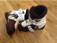 Kids salomon ski boots