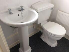 Used sink&Toilet