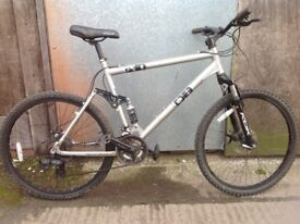 Diamondback s10 men's xl mountain bike, ready to ride away