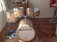 Drum kit Ludwig USA Classic maple 5 piece drum kit .with cases new..