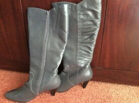 New Ladies Size 7 E Fit Grey Leather Boots