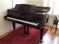 KAWAI baby grand, black, immaculate condition