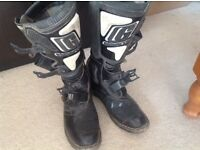 Motocross boots (adult)