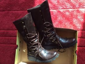 Excellent condition Fly London boots Maos size 5/38