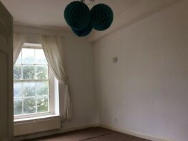 Large spacious two bedroom flat, central Dursley £510 pcm