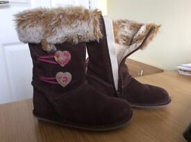 Girls Clarks suede boots size 8G