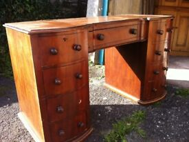 Antique Victorian-era dressing table