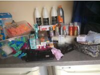 Hairdressing kit and supplies