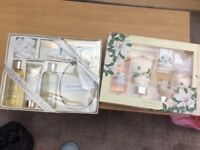 Gift boxed toiletry sets