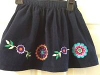 Girl's skirt- age 2-3 Jojo Maman Bebe, Navy Courduroy with appliqué flowers