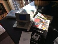 Nintendo DS Lite in Silver, Excellent condition incl Power Rangers Super Legends 15th Anniversary