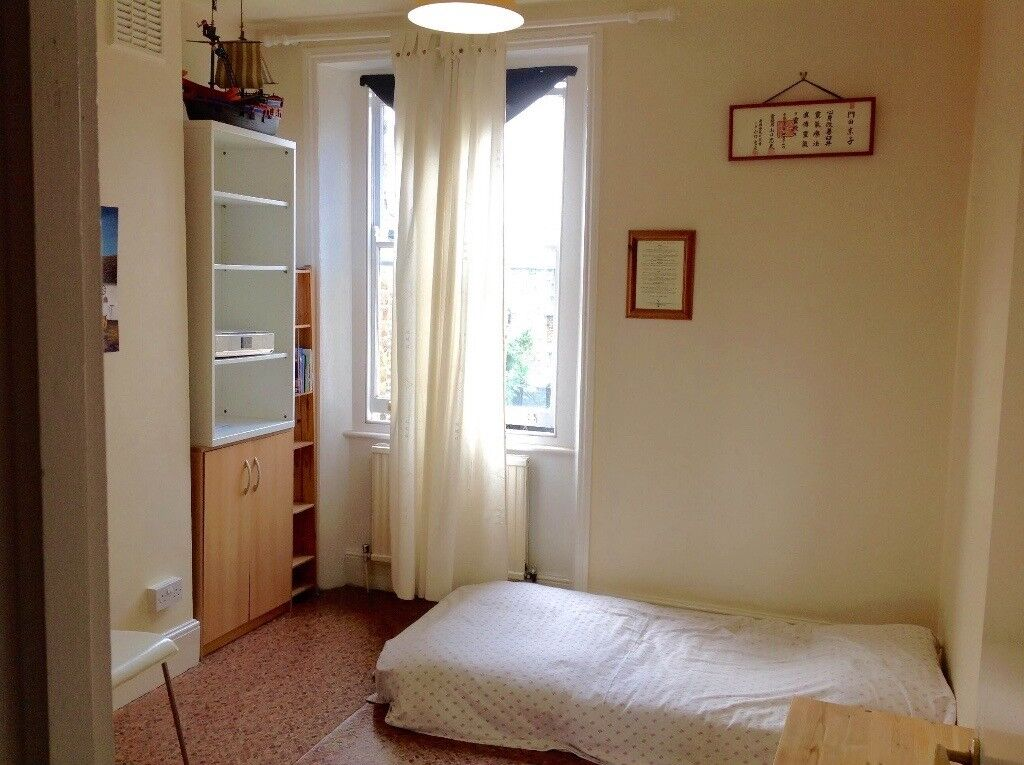 Bright double room, vegetarian sharing