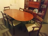 Mahagony wood extendable table and chairs