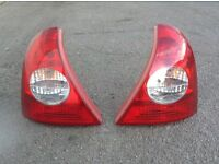 Renault Clio 01-05 rear tail lights