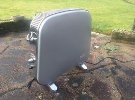 Delonghi HR720S silver portable electric heater