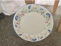 ROYAL DOULTON EXPRESSIONS DINNER SERVICE