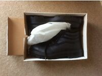Men's size 7 safety boots