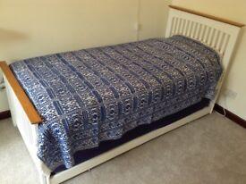 Bedspread/throw