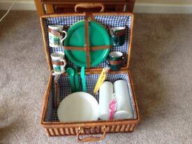 Picnic Basket + accessories