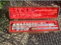 Boxed beginner's flute. Not used for years. Will need a service. Hence only £35.