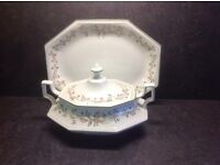 JOHNSON BROTHERS ETERNAL BEAU TUREEN VEGETABLE/SOUP SERVER WITH LID