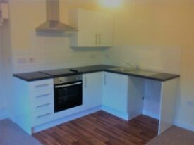 Spacious 2 Double-Bed Apt, Grantham Town Centre 3mins to Train Station, 2mins to Isaac Newton Centre