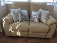 Two setter recliner as new