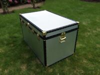 Trunk, ideal for storage of bedding/clothes or for move to/from university