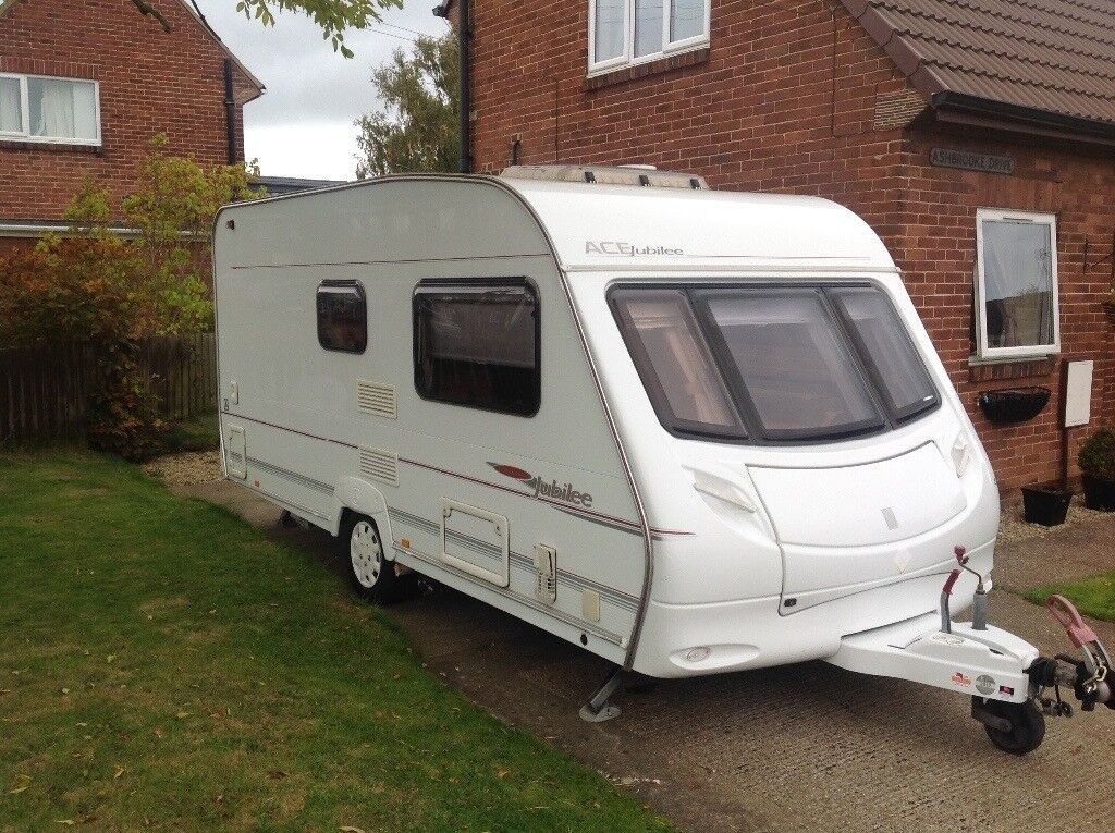2006 2 berth ace jubilee ambassador caravan comes with motor mover and full service