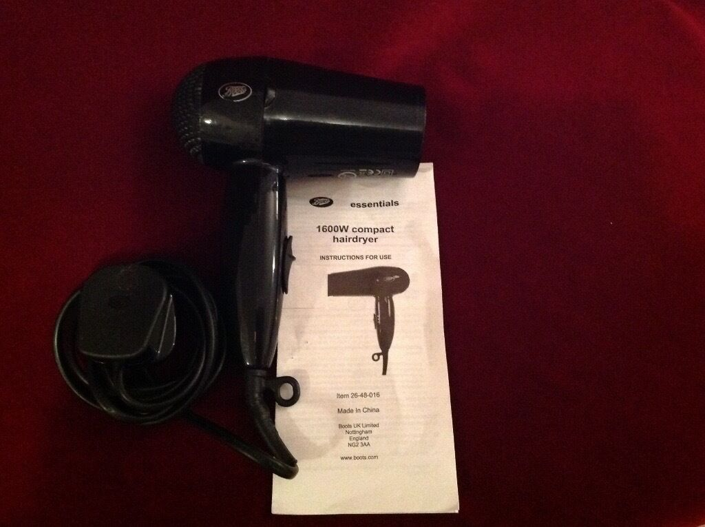Hairdryer 1600w Compactin Norwich, NorfolkGumtree - Hairdryer 1600w Compact. The Hairdryer has two Heat/ Speed Settings that can be selected on the main switch mounted On the Handle